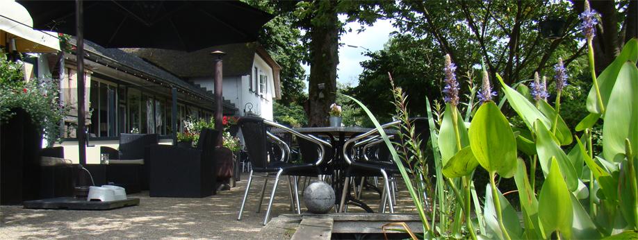 Bij mooi weer is ons terras ook weer open!