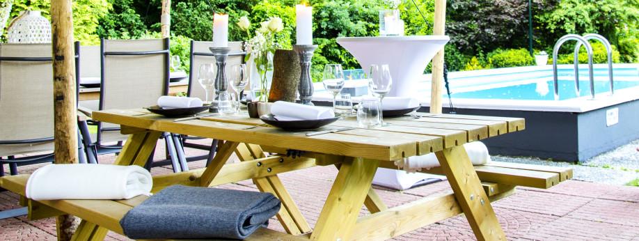 Boek nu uw zomerse barbecue, bij onze poolbar!